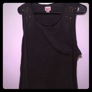 Charcoal tank with stud details